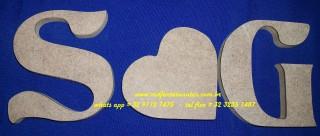 Iniciais S e G 12x11 mdf15mm e coração 10x10 mdf15mm